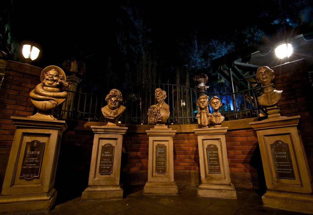 haunted-mansion-attraction-open-during-mickeys-not-so-scary-halloween-party