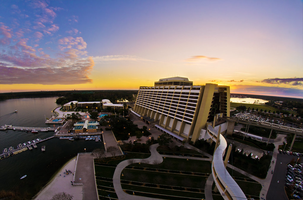 Pros-and-cons-of-staying-at-the-contemporary-resort