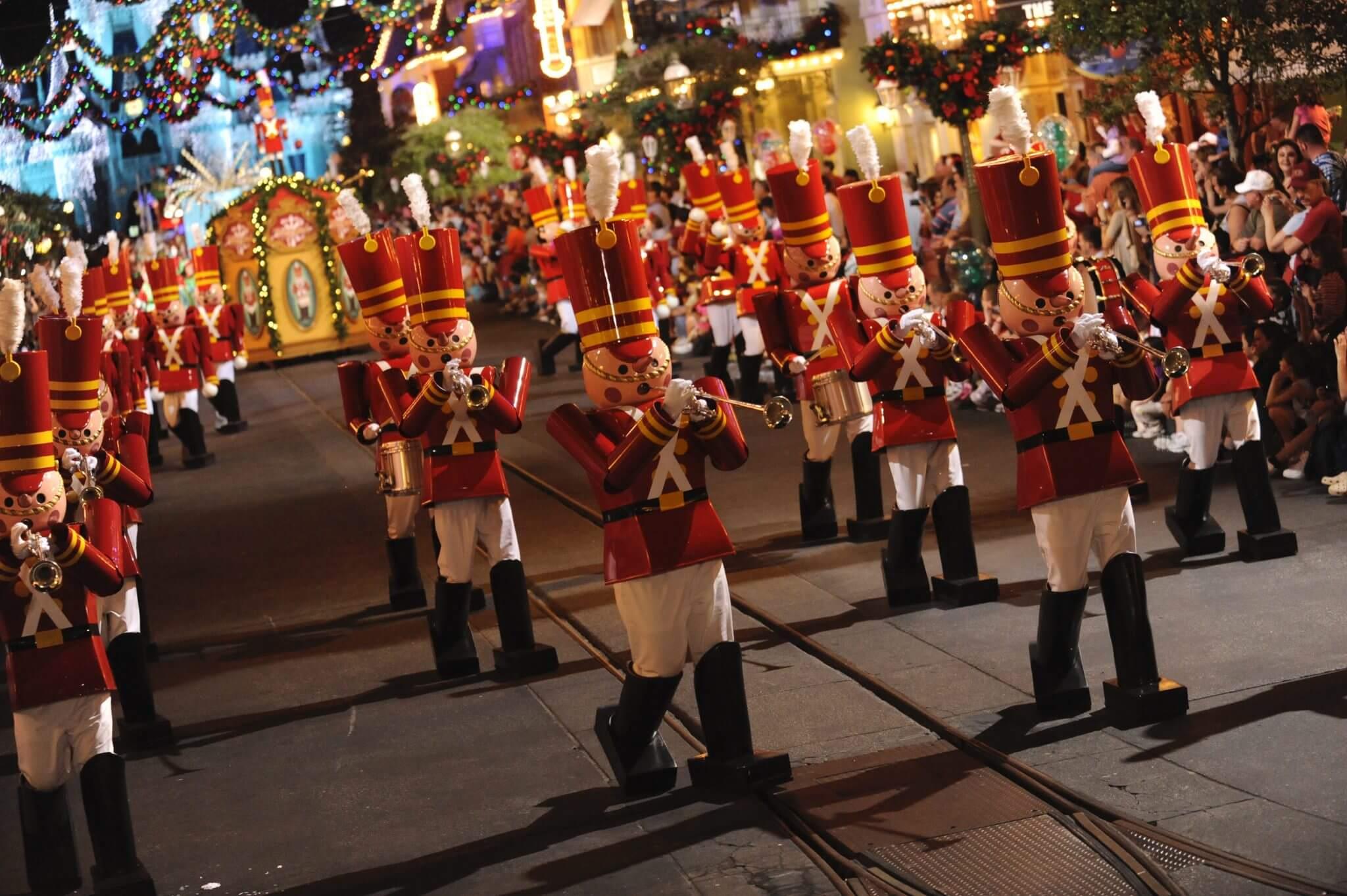 Mickeys-very-merry-christmas-party-parade