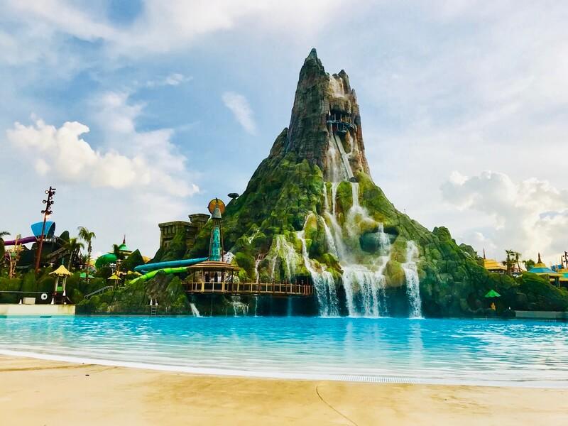 universals-volcano-bay-water-park