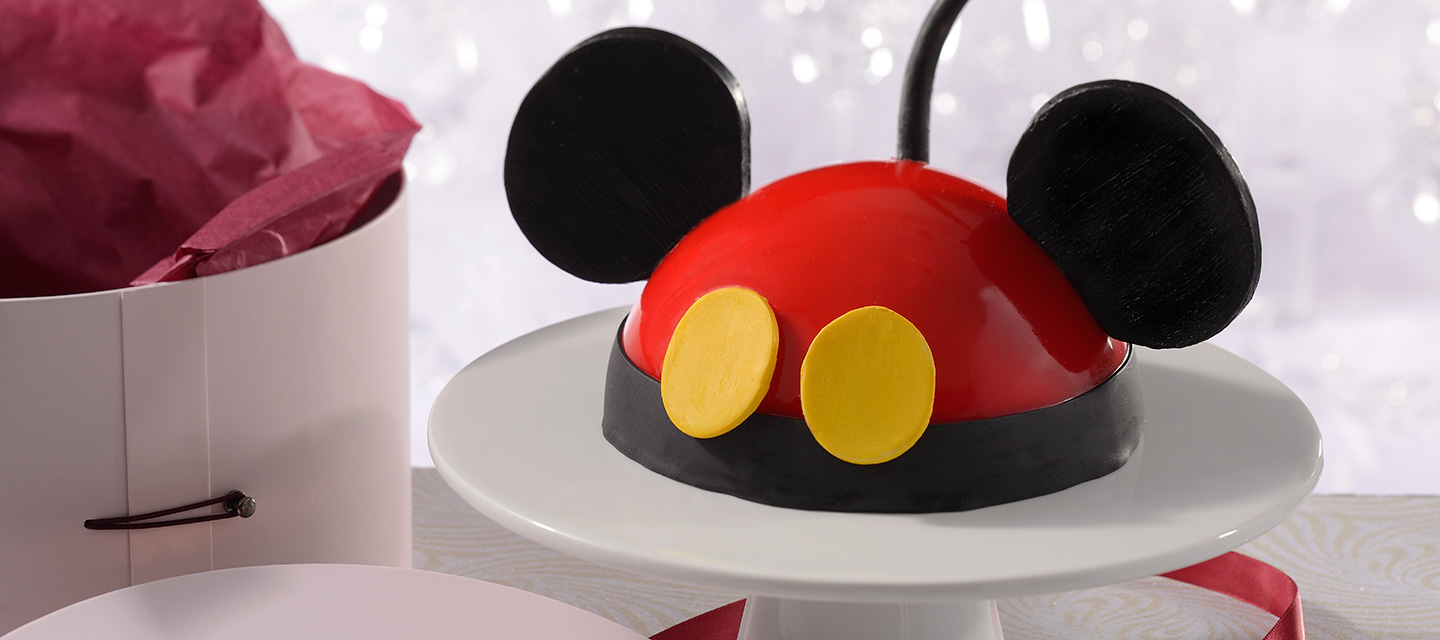 make-your-own-mickey-cake-at-Disney-world
