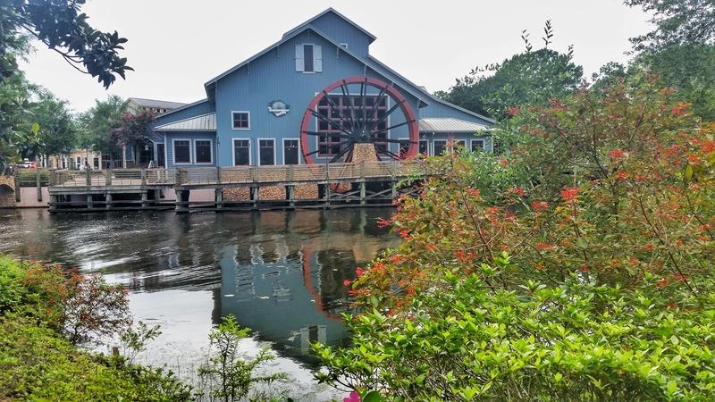 disney-port-orleans-resort-during-disney-fun-run