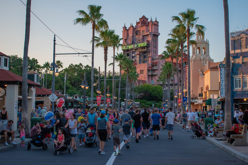 crowds-walking-during-slowest-time-at-disney-world