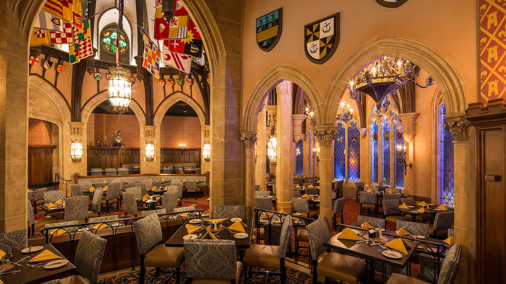 best-character-dining-disney-world-2021