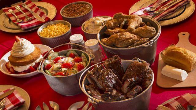 hoop-dee-doo-review-best-restaurant-disney