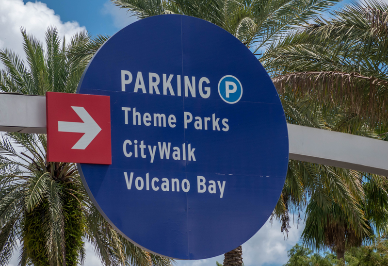 sign-explaining-where-to-park-for-universals-volcano-bay