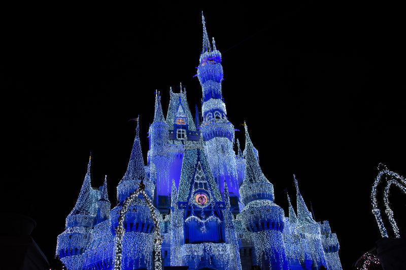 magic-kingdom-park-decorated-form-mickeys-very-merry-christmas-party
