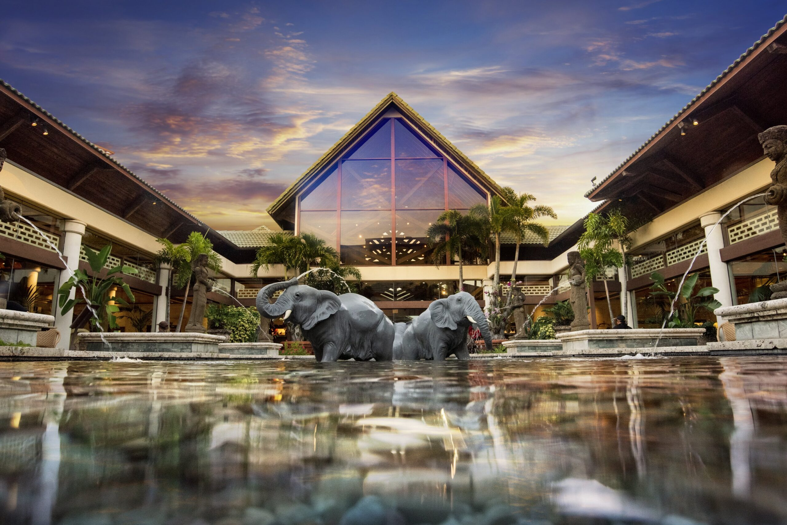 Royal Pacific Resort Vacation Package