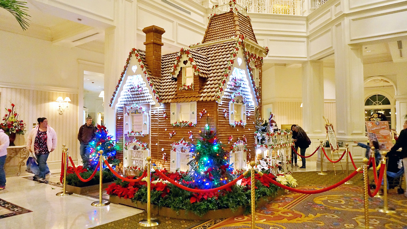 disney-hotels-decorated-for-christmas