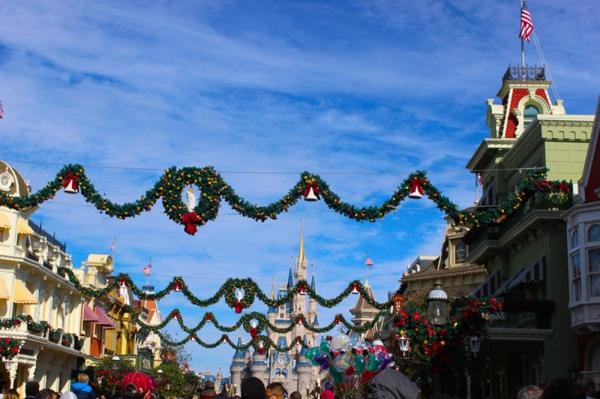 Disney Christmas Package 2021 When Does Disney Decorate For Christmas Our 2021 Christmas Decoration Guide