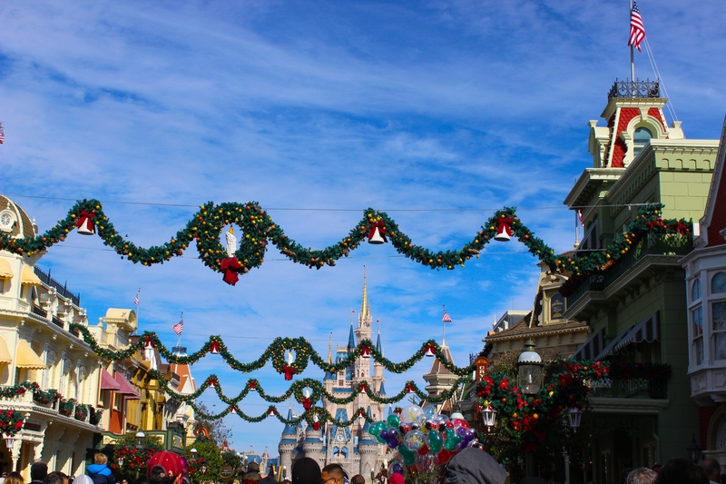 When To Put Up Christmas Decorations 2020 When Does Disney Decorate for Christmas ?   Our 2020 Christmas Guide