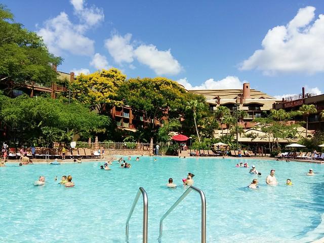 animal-kingdom-lodge-pool