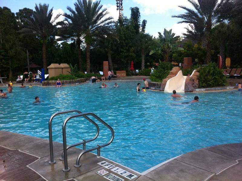 animal-kingdom-pool-disney