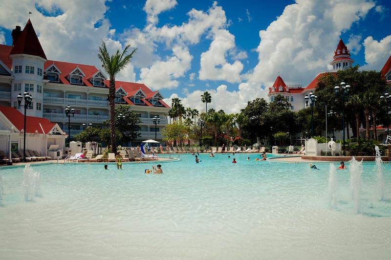 grand-floridian-resort-pool