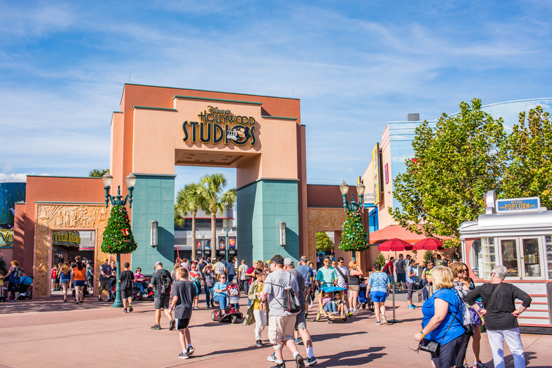 best-time-to-visit-hollywood-stuidos-for-rope-drop