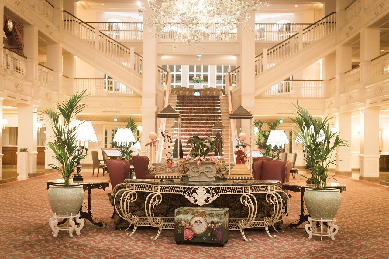 cheapest-way-to-book-disney-hotel