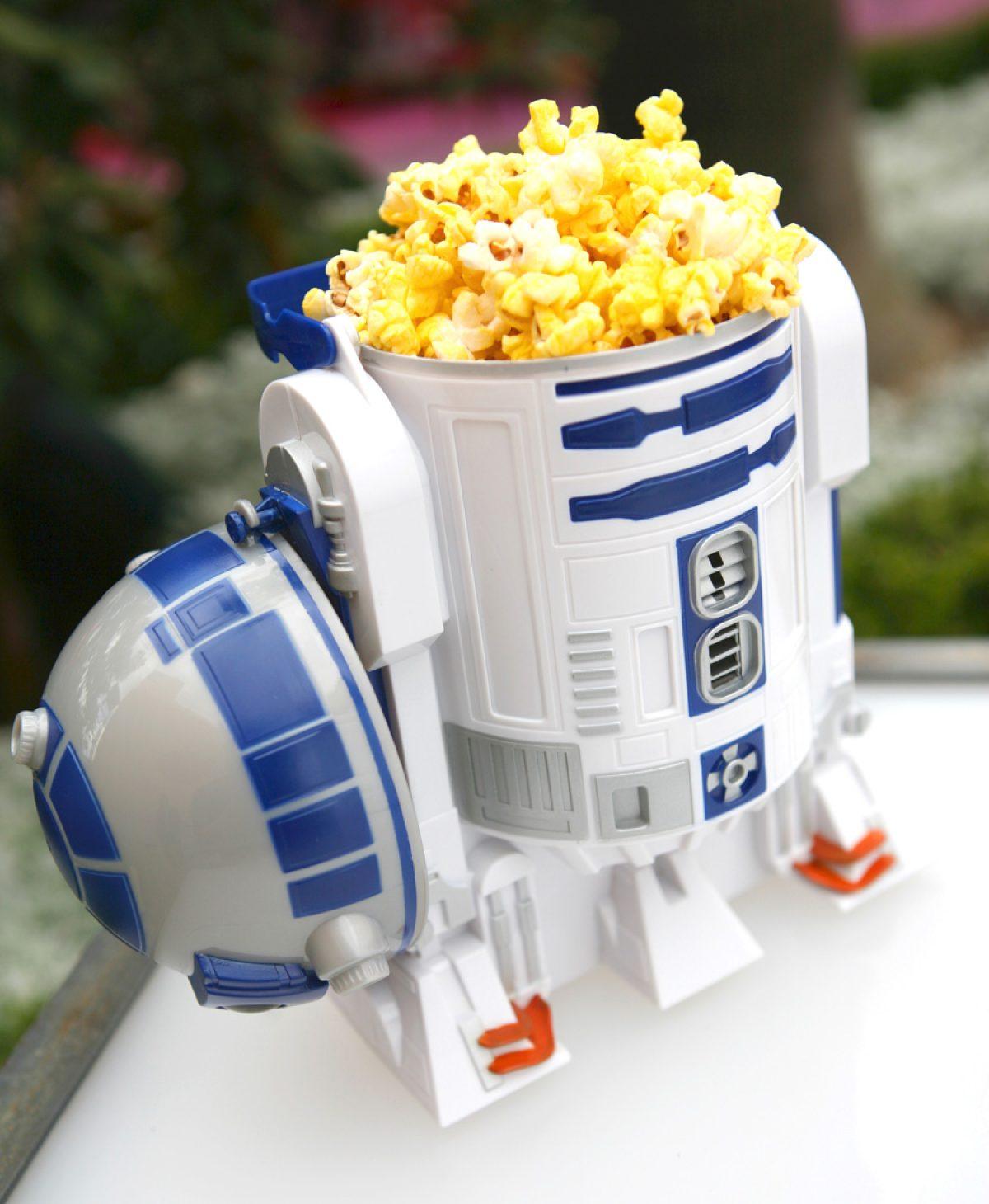 Disney Christmas Popcorn Bucket 2021 Ultimate Guide To Disney Refillable Popcorn Bucket Disney Popcorn Deals