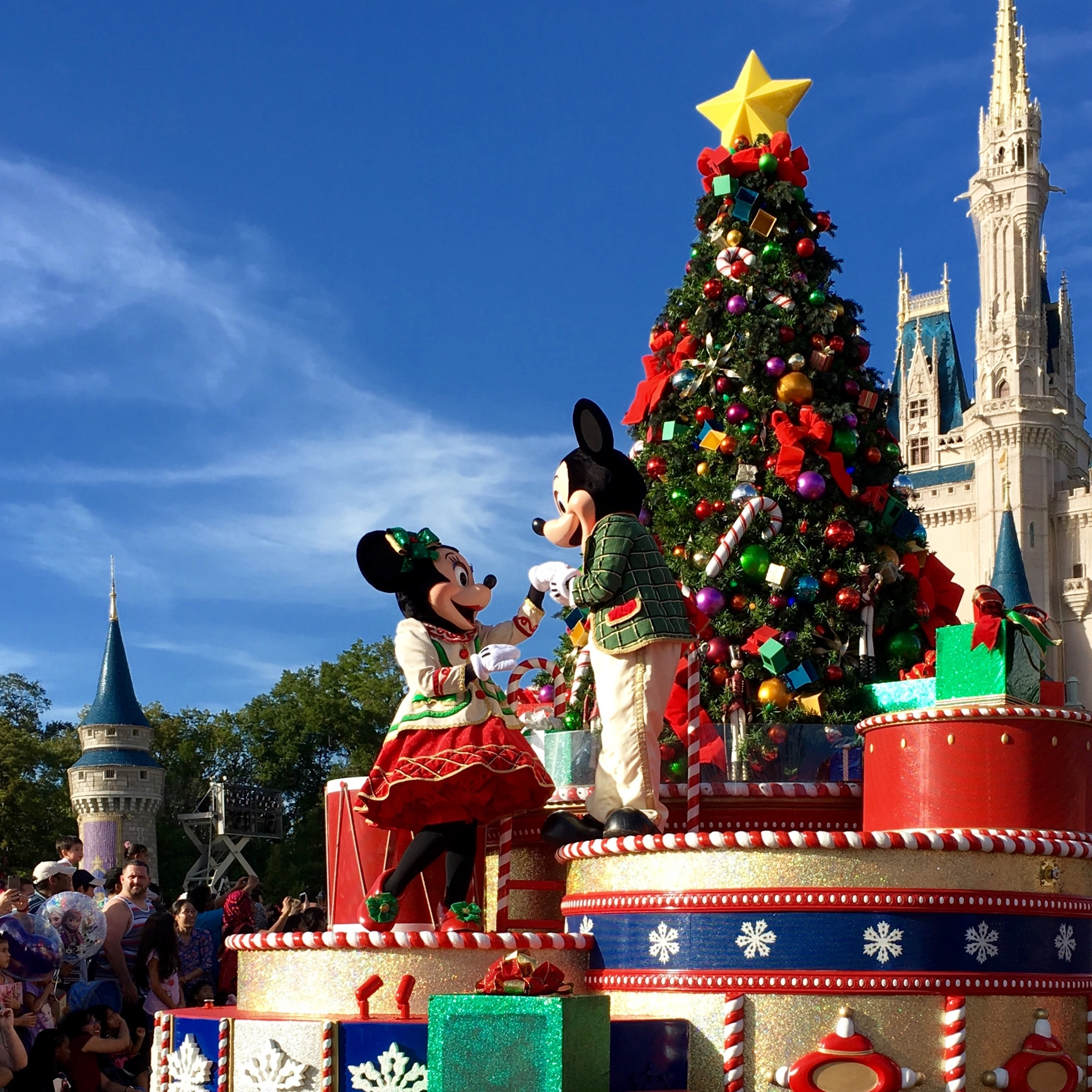 Disney World 2021 Christmas Packages Complete Guide To Disney World During Christmas Time All Holiday Events