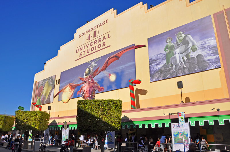 how-to-get-into-universal-studios-early