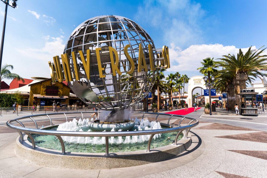 universal-hollywood-ticket-globe