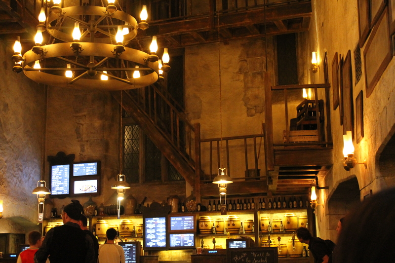 where-to-eat-at-wizarding-world-of-harry-potter-leaky-cauldron