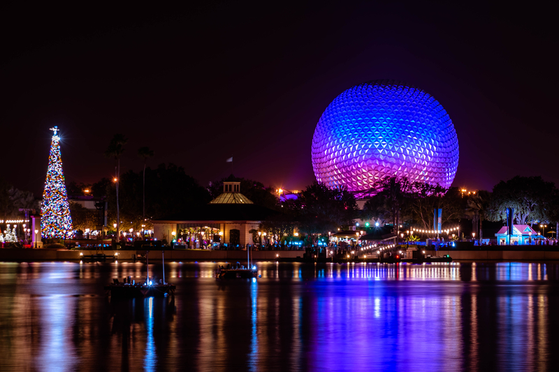 epcot-during-christmas-eve