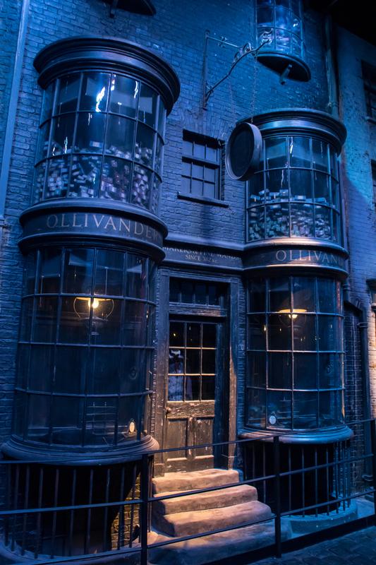 ollivanders-wand-shop-harry-potter-world